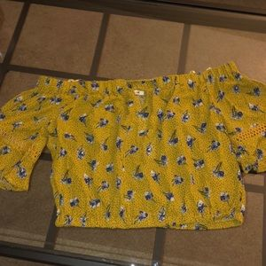NWT Mustard Urban Outfitters Crop